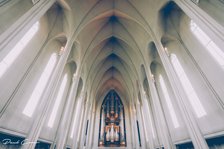 Hallgrímskirkja geometric interior